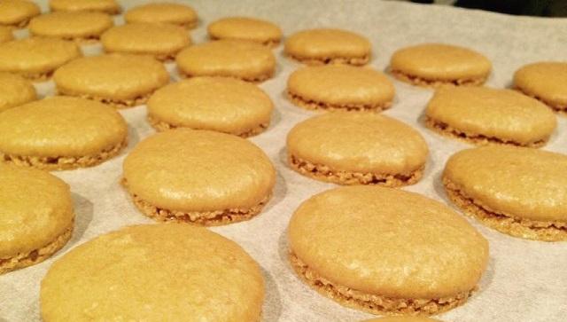 coques des macarons caramel beurre salé parès cuisson