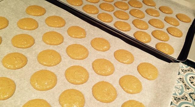 dresser les coques des macarons caramel beurre salé