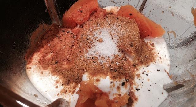 assaisonnement du velouté de butternut au lait de coco