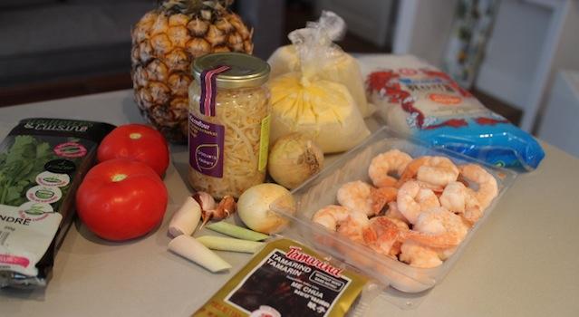 ingrédients de la soupe de crevette - Soupe de crevettes au tamarin et ananas frais