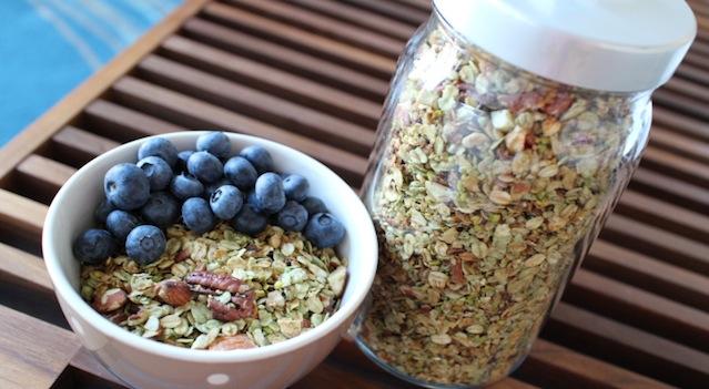 petit déjeuner sain et équillibré - Granola pistache naturel