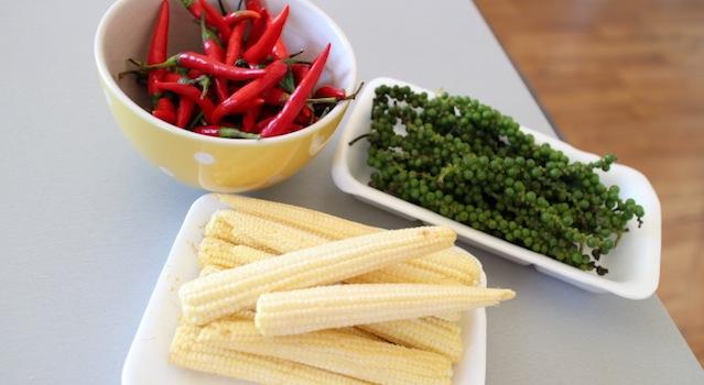 piment frais poivre vert frais et mini mais frais - Le guide ultime pour tout trouver dans les épiceries asiatiques