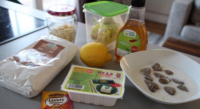 préparer les ingrédients et mettre les figues à tremper dans le lait d'amande - Vegan cake tofu, figues, citron amandes