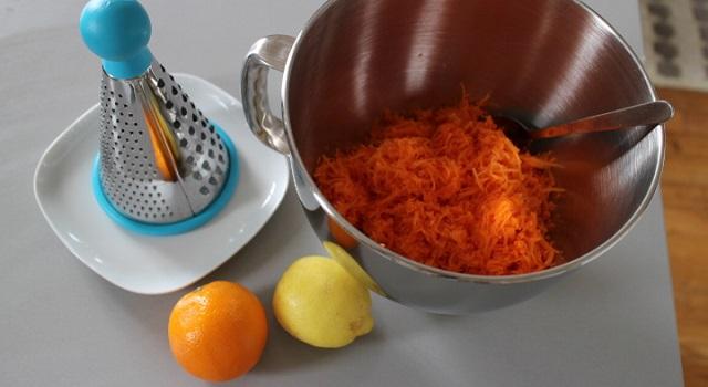 raper les carottes - Salade crue de carottes a l'orange