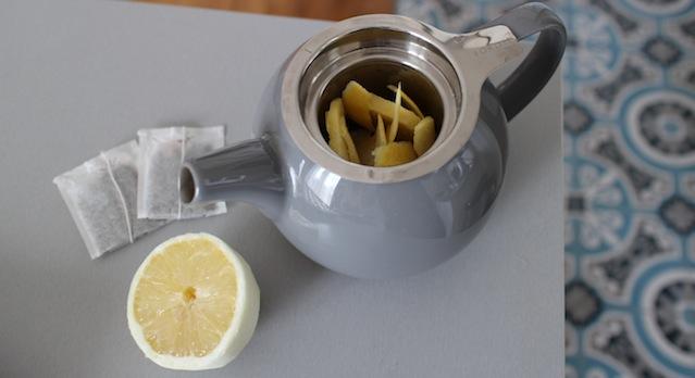 ajouter le jus de citron frais - Thé glacé detox citron gingembre