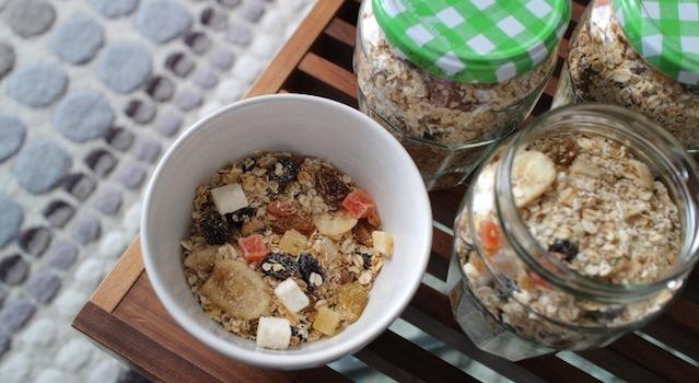 délicieuses céréales faites maison sans sucre ni graisses ajoutées - Granola maison aux fruits exotiques