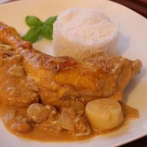 Poulet au curry massaman traditionnel