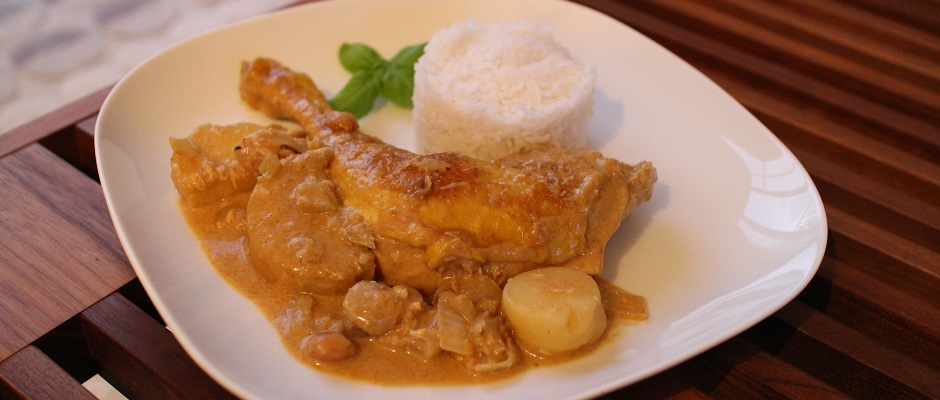 Poulet au curry massaman traditionnel