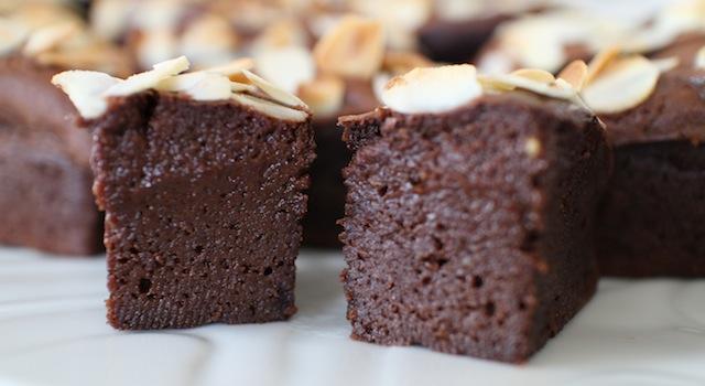 coeur coulant et crémeux sans beurre - Gâteau extra fondant au chocolat et avocat