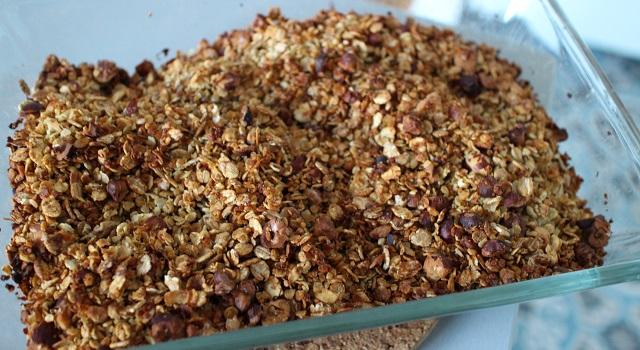 granola bien cuit et doré - Céréales maison chocolat & noisettes