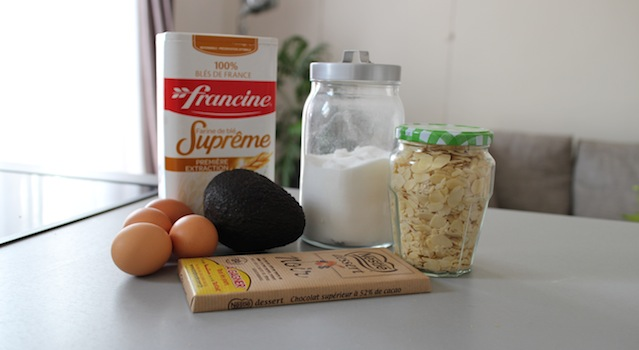 ingrédients - Gâteau extra fondant au chocolat et avocat