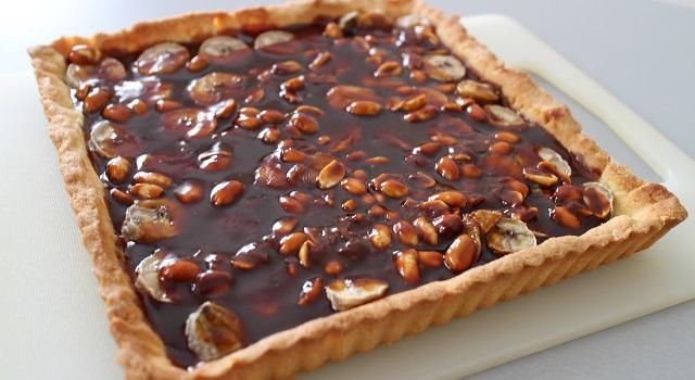 laisser la tarte refroidir - Tarte régressive banane, caramel et cacahuètes