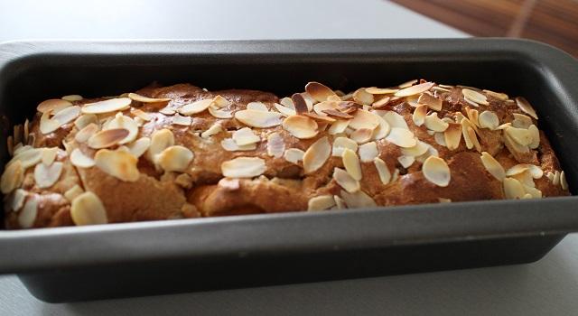 laisser refroidir le cake bien levé après cuisson - Cake aux nectarines a l'indice glycémique bas
