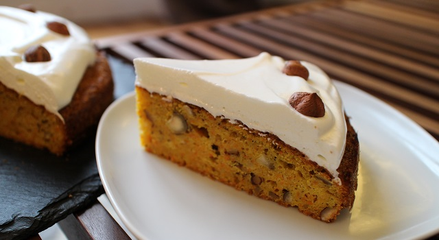 gateau moelleux et glaçage fondant - Carrot Cake - Petit écureuil
