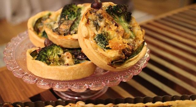 tarte de saison automne - Tartelettes salées réconfortantes - roquefort noisette et pois gourmands