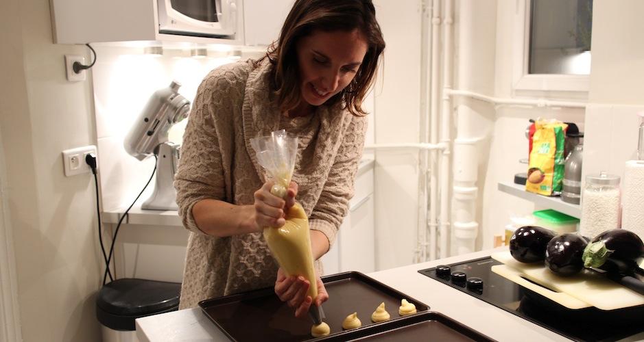 dressage des chouquettes avec la poche à douille - Le cours de cuisine selon My Beautiful Dinner