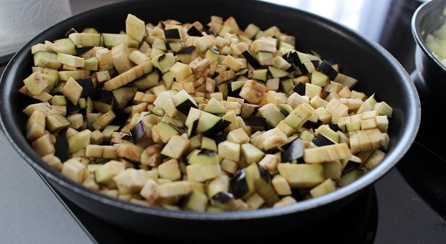 cuire les aubergines - Mini burgers au pastrami