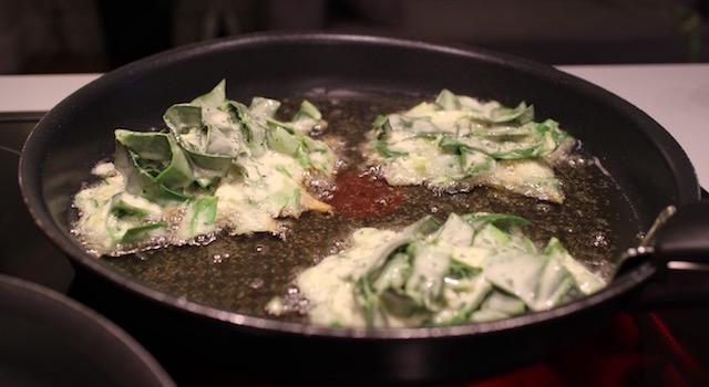 faire frire les beignets de blettes à la poele - Les farçous aveyronnais