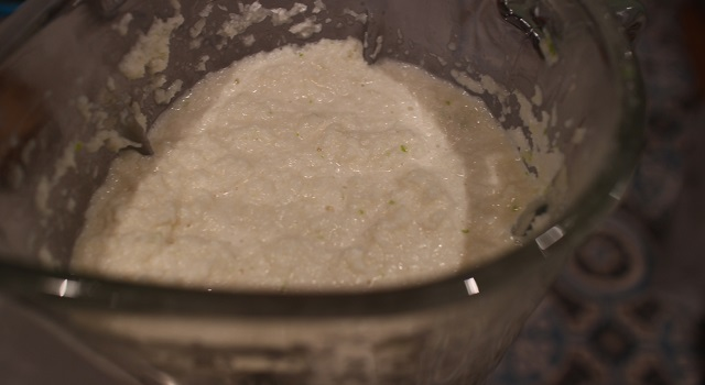 mixer pour obtenir un appareil homogène - Coco givré, la glace coco avec des vraies noix de coco