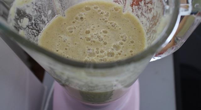 ajouter le sirop à l'ananas mixé - recette Sorbet ananas, badiane et vanille