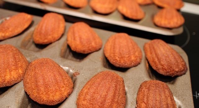 les madeleines sont bien cuites si elles se décollent - Madeleines orange et cardamome