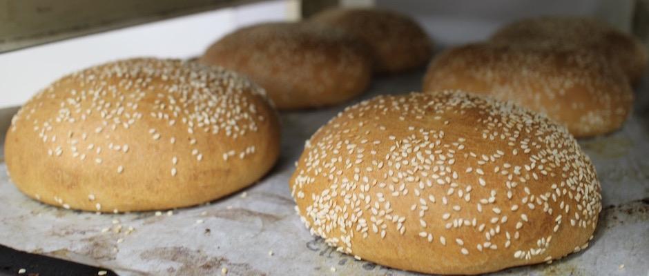 pains buns de boulanger - préparation du pain - Le pain, Anthony Bosson, L'Essentiel et la fête des pains