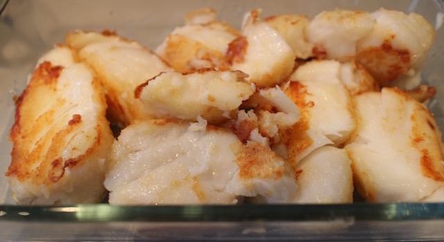 placer le poisson dans le plat - Cabillaud lait d'amande et amandes grillées