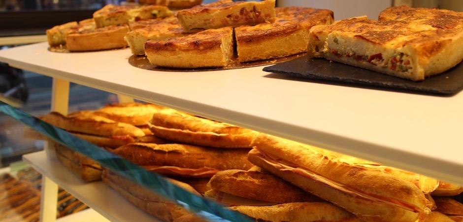 quiches et sandwiches pour le déjeuner - préparation du pain - Le pain, Anthony Bosson, L'Essentiel et la fête des pains