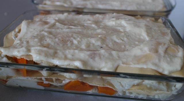 recouvrir les lasagnes d'une couche de bechamel - Lasagnes blanches au poulet