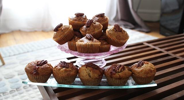 servir les Muffins banane pecan cœur caramel beurre salé