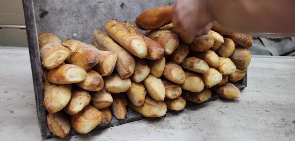 travailler vite et avancer avec passion - préparation du pain - Le pain, Anthony Bosson, L'Essentiel et la fête des pains