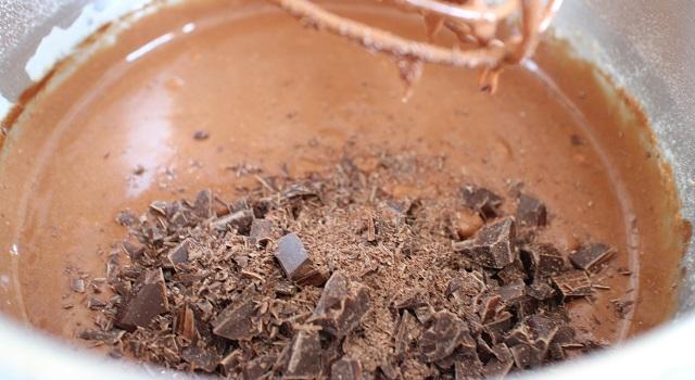 ajouter le beurre chocolat et chocolat haché - Brookie - le gâteau de folie
