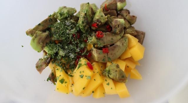 assaisonner la salade coriandre piment - Salade de mangue et avocat