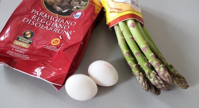 ingredients Asperges vertes, œuf mollet, parmesan