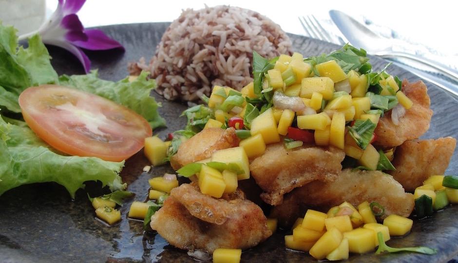 meilleure salade de mangue thai au poisson frit - Souvenir culinaire - Mes meilleures expériences