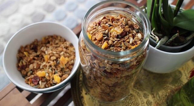 stoker le granola dans un récipient hermétique - Granola énergétique - acidulé