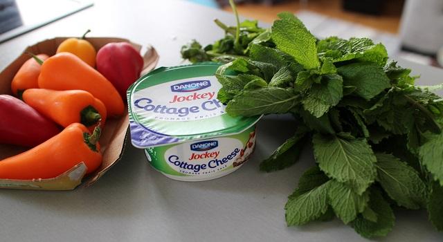 ingredients-mini-poivrons-frais-pour-laperitif
