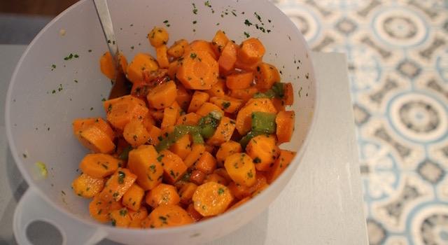 assaisonner-avec-du-cumin-et-de-la-coriandre-salade-cuite-de-carottes-au-cumin