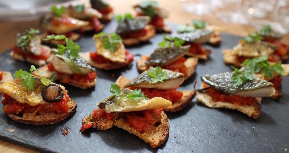 toasts-de-sardines-diner-de-noel-signe-christian-etchebest