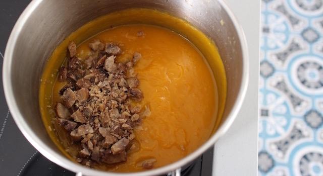 ajouter-les-marrons-au-veloute-veloute-de-butternut-aux-marrons
