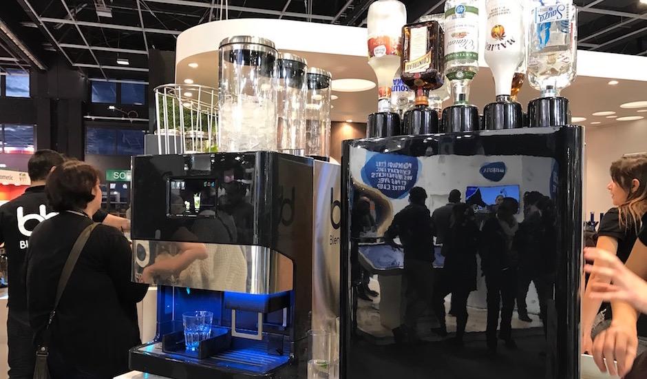 barman-robot-lalimentation-du-futur-equiphotel-2016