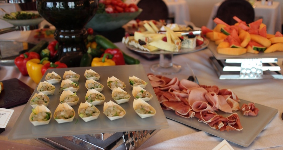 buffet-charcuteries-brunch-de-princesse-au-fouquets-barriere