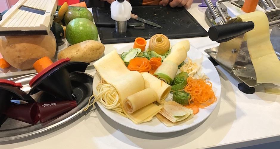 decoupe-de-legumes-en-feuilles-lalimentation-du-futur-equiphotel-2016