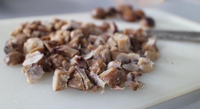 hacher-les-marrons-escalope-de-dinde-croustillante-aux-marrons