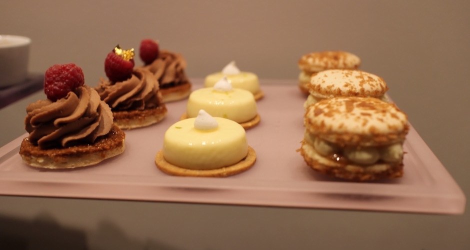 mini-patisseries-brunch-de-princesse-au-fouquets-barriere