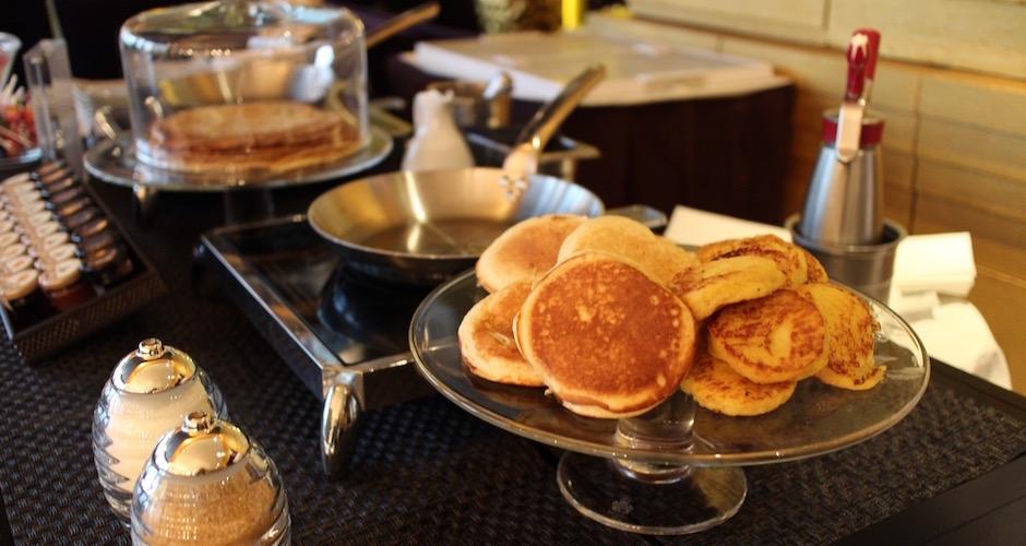 stand-de-crepes-et-pancakes-brunch-de-princesse-au-fouquets-barriere