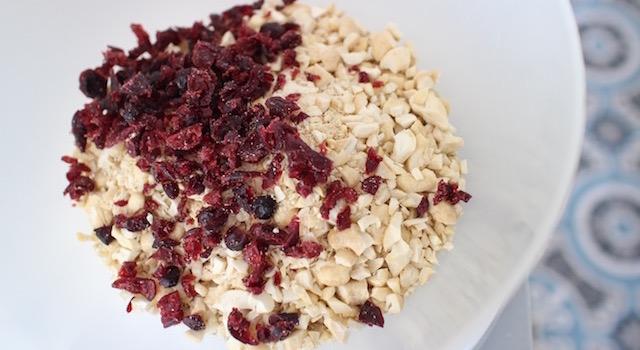 ajouter-les-cranberries-granola-cru-de-cajou