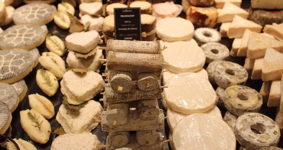 fromages de chèvre - Visite guidée des halles de Lyon Paul Bocuse