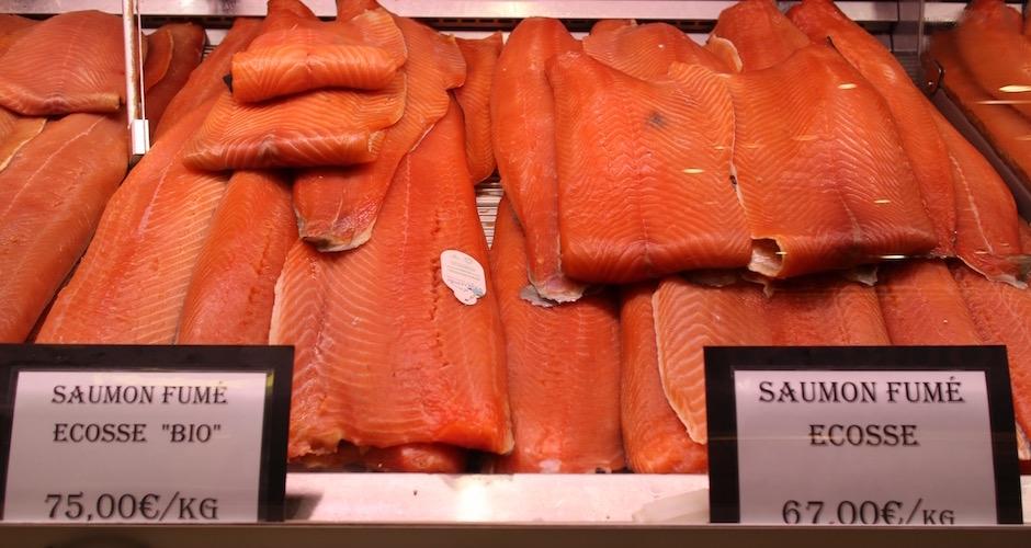 saumon fumé entier - Visite guidée des halles de Lyon Paul Bocuse