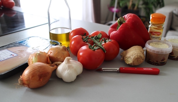 ingrédients du Poulet balti - tomate gingembre poivrons